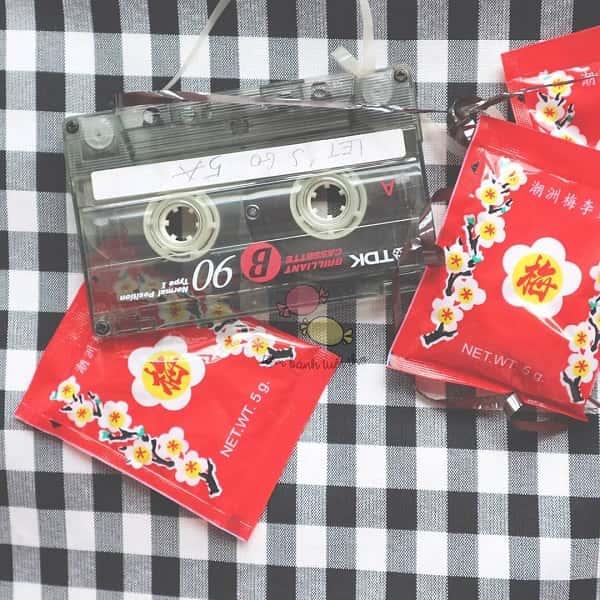 Băng Cassette và ô mai đỏ ngày xưa