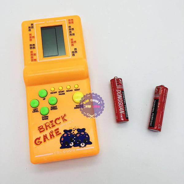 Điện tử bấm màu vàng Brick game