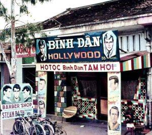 Tiệm cắt tóc ngày xưa