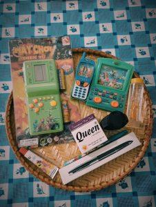 Những món đồ thân thuộc tuổi thơ 8x 9x